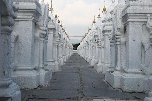kuthodaw pagoda - highlight of myanmar trekking tour