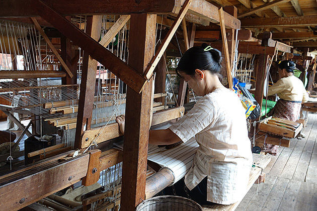 lotus weaving workshop in Inle Lake - must-see spot for Myanmar 1 week itinerary