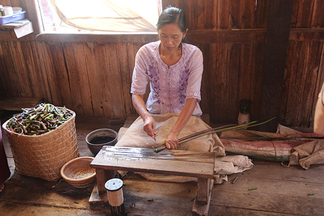 the local artisan in lotus weaving village