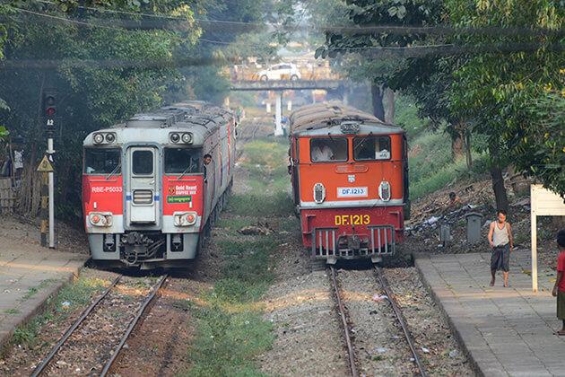 Dalar Circular Train - great activity for myanmar tour