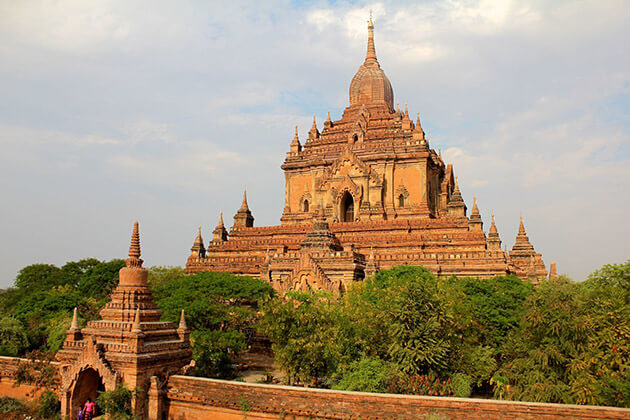 Sulamani temple attraction for myanmar river cruise with strand cruise