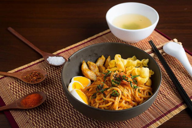 Myanmar noodles - best food to try in myanmar culinary tour
